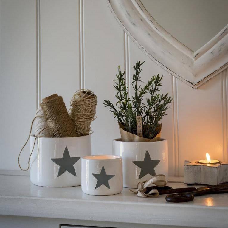 White and grey star storage pots