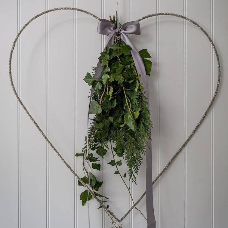 75cm beaded heart decoration